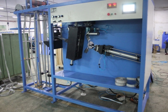 KW-820-160L New Type sling webbings automatic cutting and winding machine