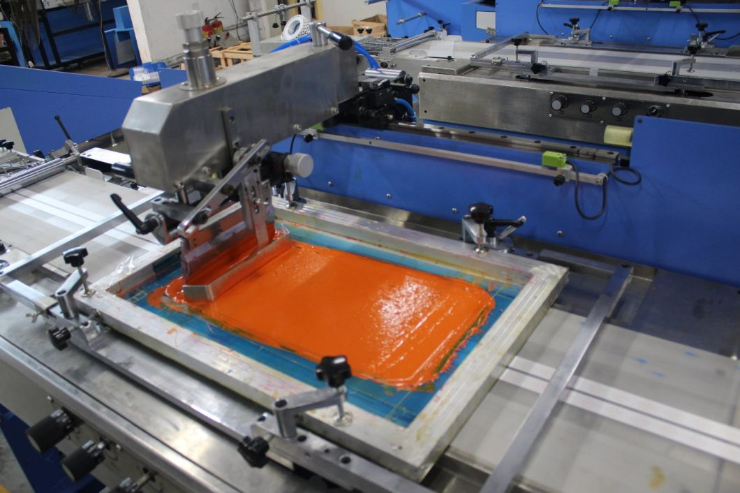 3 Colors Apparel Labels Automatic Screen Printing Machine with Enclosure