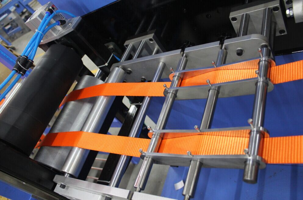 Good quality Nylon Shoulder Tapes Pre-Shrinking Machine - Bag Webbings Automatic Screen Printing Machine Ds-302b – Kin Wah