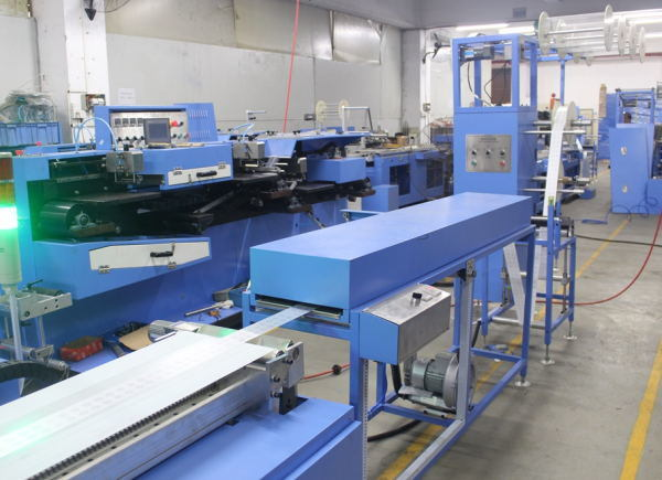 100% Original Factory Woven Edge Ribbons Wrapping Machine - Satin Labels Automatic Screen Printing Machine with Infrared Dryer – Kin Wah