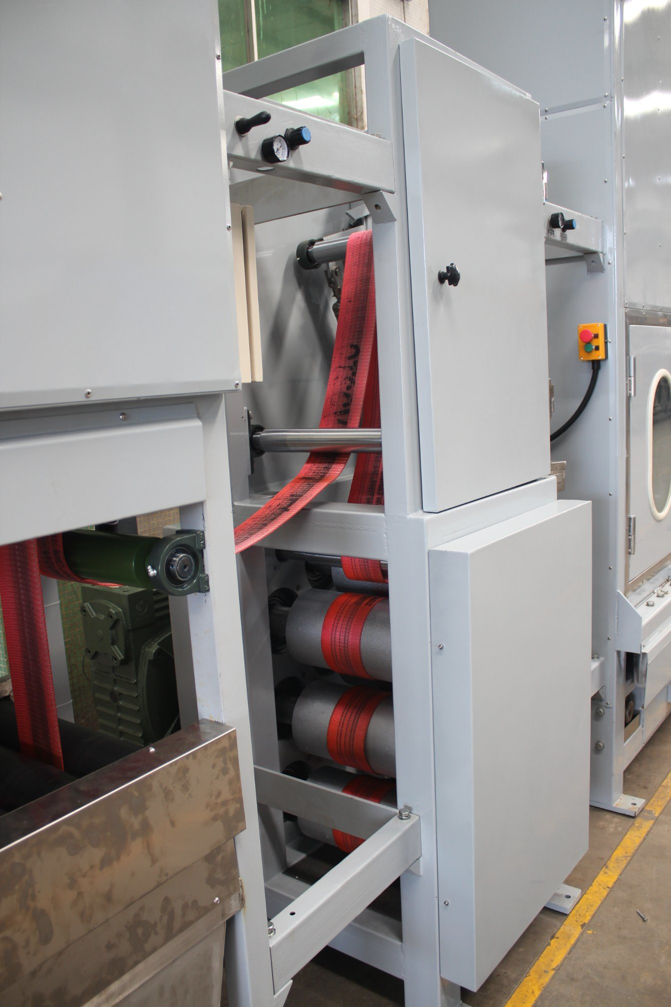Chinese wholesale Tie Down Webbings Continuous Dyeing Machine - 4lines Narrow Fabric Tapes Continuous Dyeing Finishing Machine – Kin Wah
